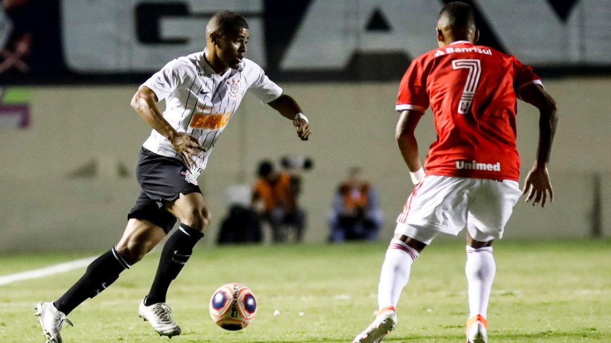 Corinthians perde para o Internacional e não consegue vaga na final da Copinha