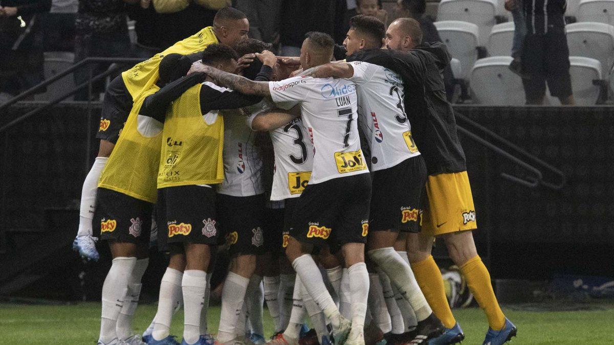 Primeiro adversário do Timão na Libertadores será definido nesta quarta-feira