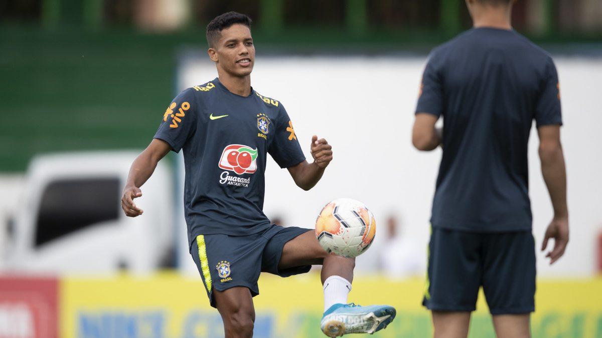 Na Colômbia, Pedrinho diz acompanhar Corinthians nos primeiros momentos de 2020