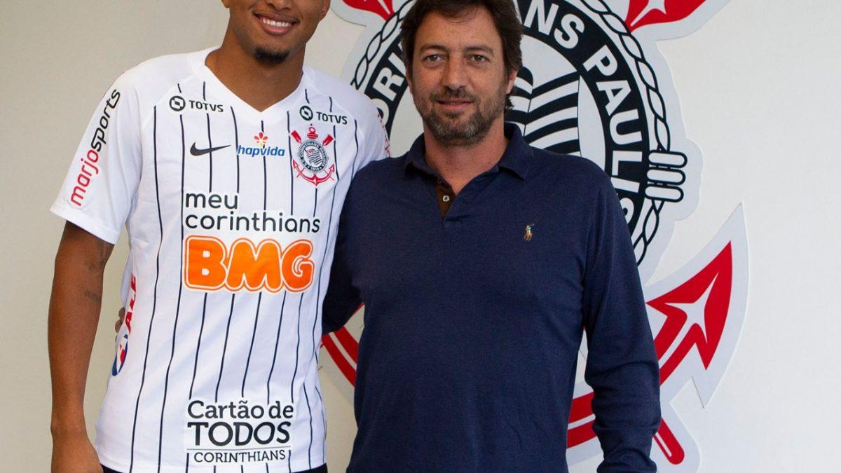 Meia, ex-Cruzeiro, é o novo reforço do Corinthians