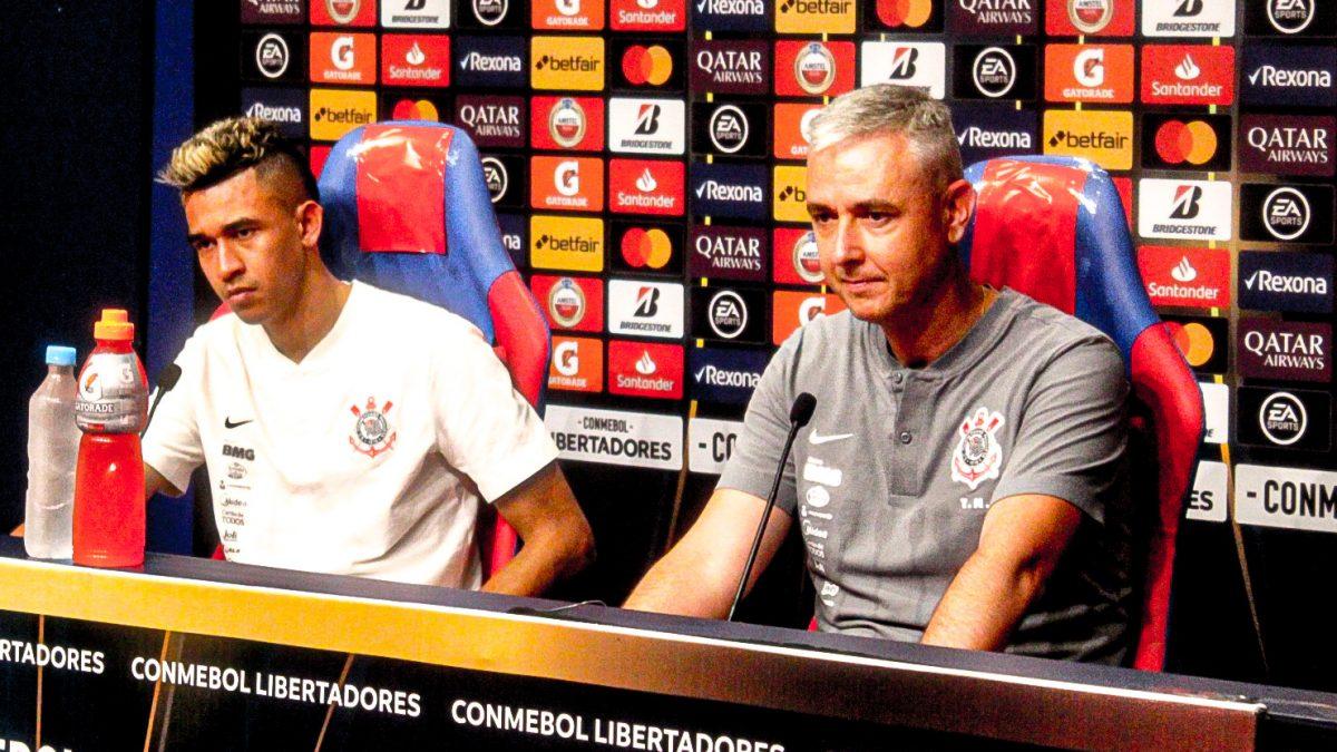 """Tiago Nunes: """"É um jogo de 180 minutos. Temos que buscar fazer todo o esforço possível para reverter."""""""