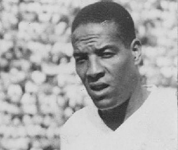 Há 76 anos, Domingos da Guia estreava pelo Corinthians