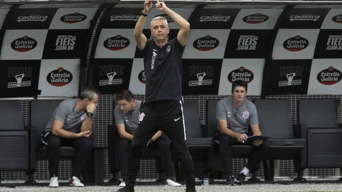 """Tiago Nunes: """"Temos que ter a calma e a tranquilidade para resolver os problemas quando aparecem"""""""